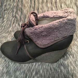 H&M BLACK WEDGE BOOTIES SIZE 8M